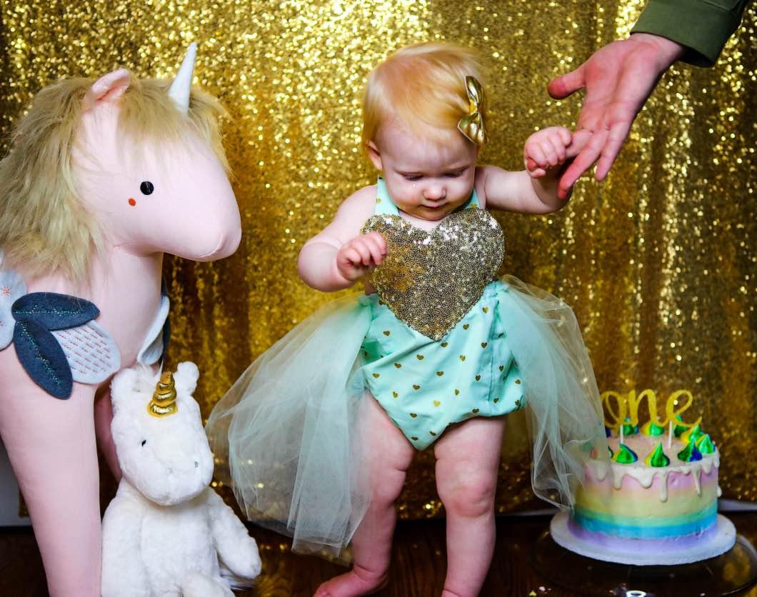 goldglitter unicorn birthday