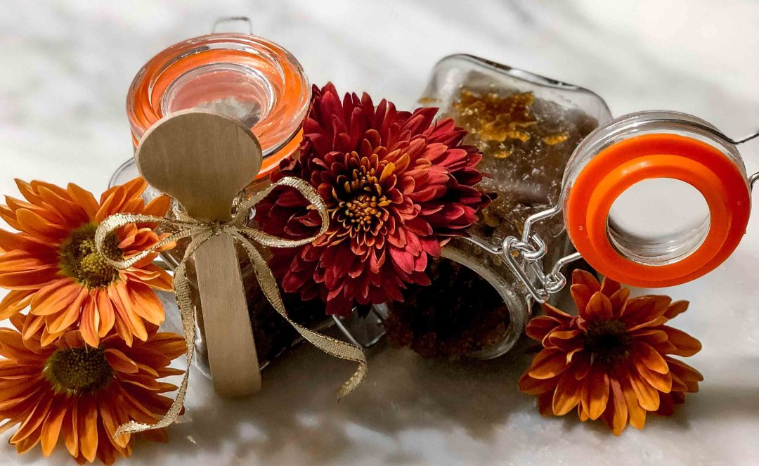Holiday Sugar Body Scrub by Atlanta style blogger Happily Hughes
