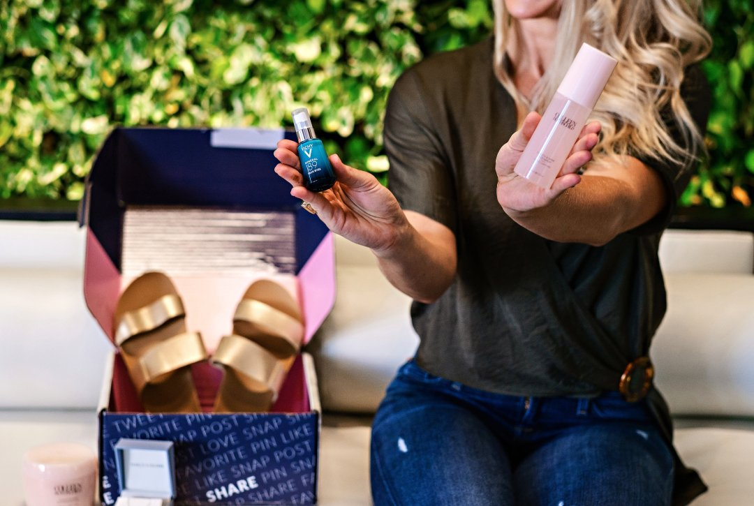 Looking for the perfect pick me ups as a busy mom? Popular Atlanta Blogger Happily Hughes is sharing her favorite pick me ups for anytime of the day!