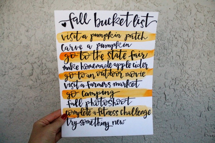 Fall Bucket List | read more at happilythehicks.com