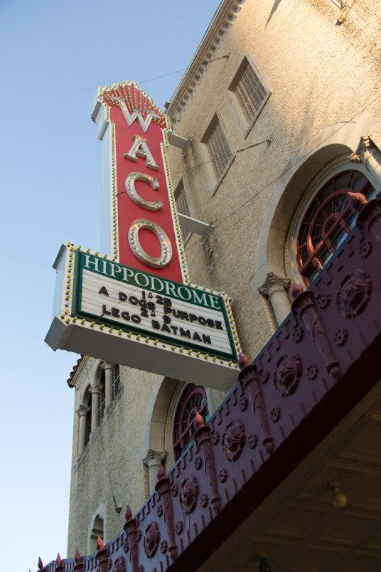 Everything you need to know about what to do on a day trip to Waco!   read more at happilythehicks.com