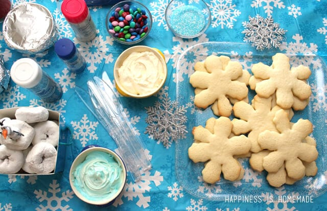 Snowflake Sugar Cookie Decorating #FrozenFun #cbias #shop