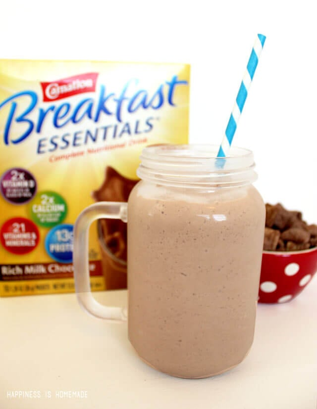 Healthy and Rich Chocolate Breakfast Smoothie