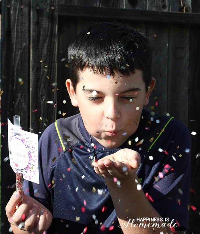 Confetti Straw Valentine