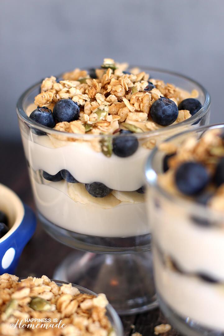 Blueberry and Banana Breakfast Parfaits