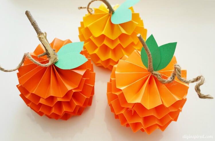 How-to-Make-Paper-Pumpkins (1)
