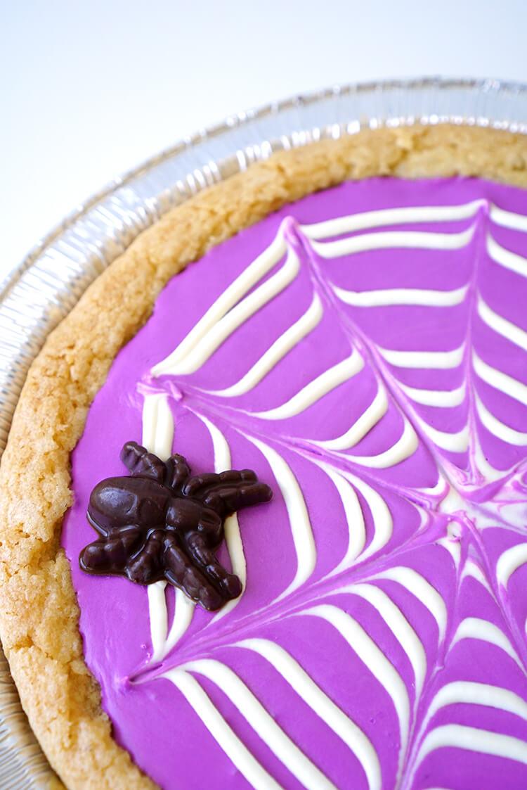 chocolate-spider-on-a-sugar-cookie-spiderweb