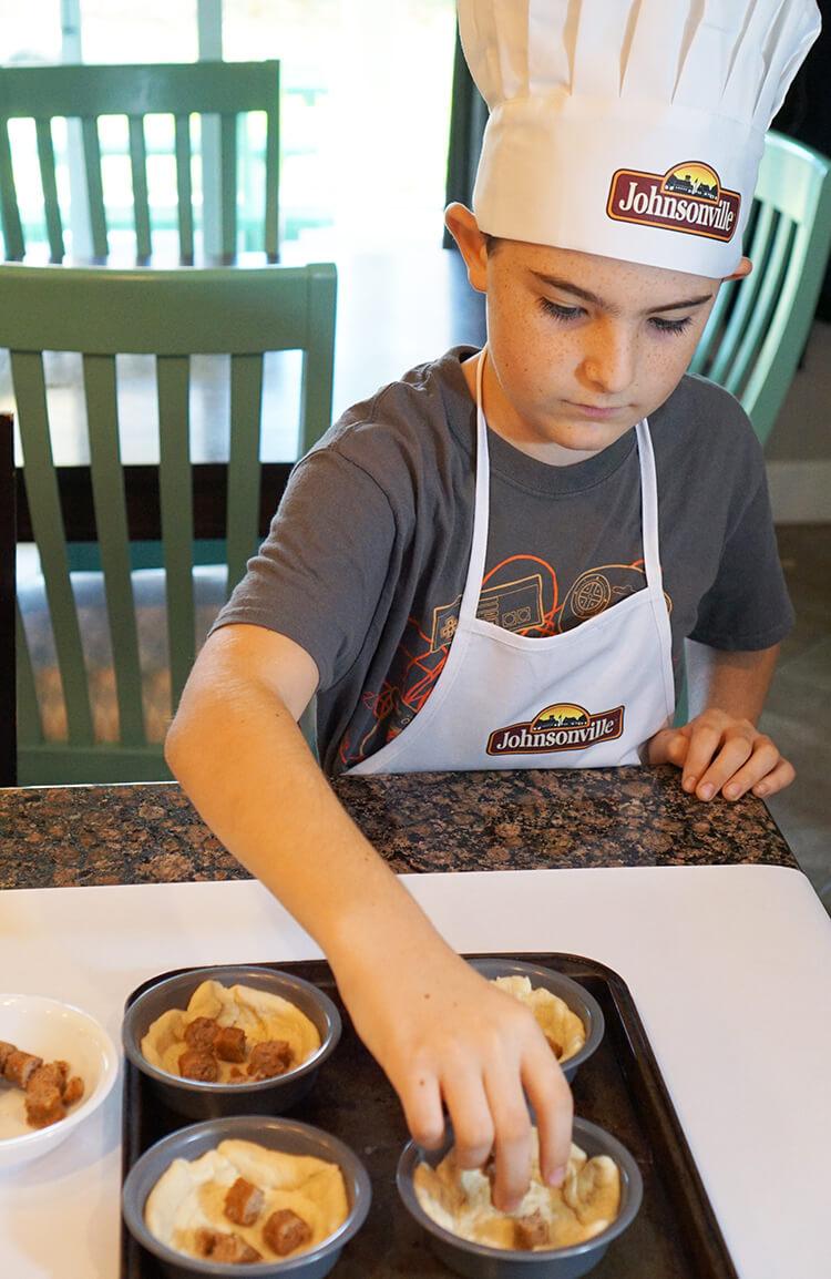 kids-cooking-breakfast