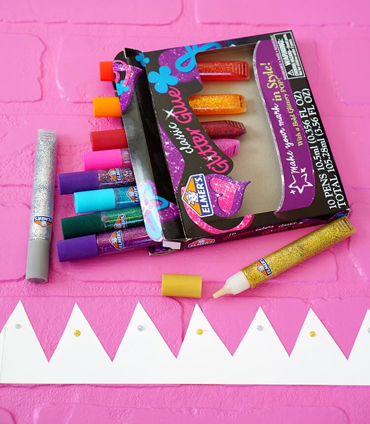 decorating-nye-paper-crowns-with-elmers-glitter-glue