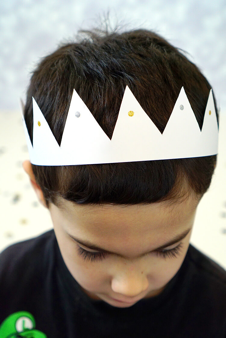 new-years-eve-paper-party-crown