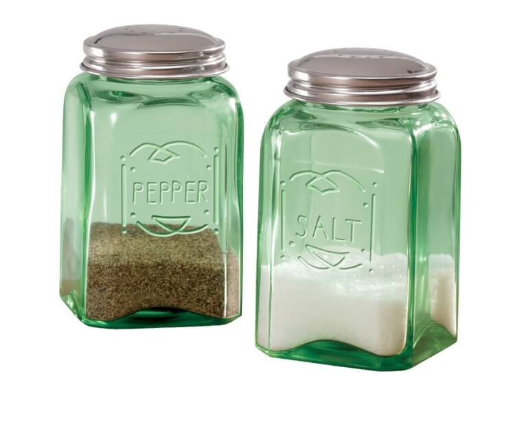 depression-style-glass-salt-and-pepper-shakers