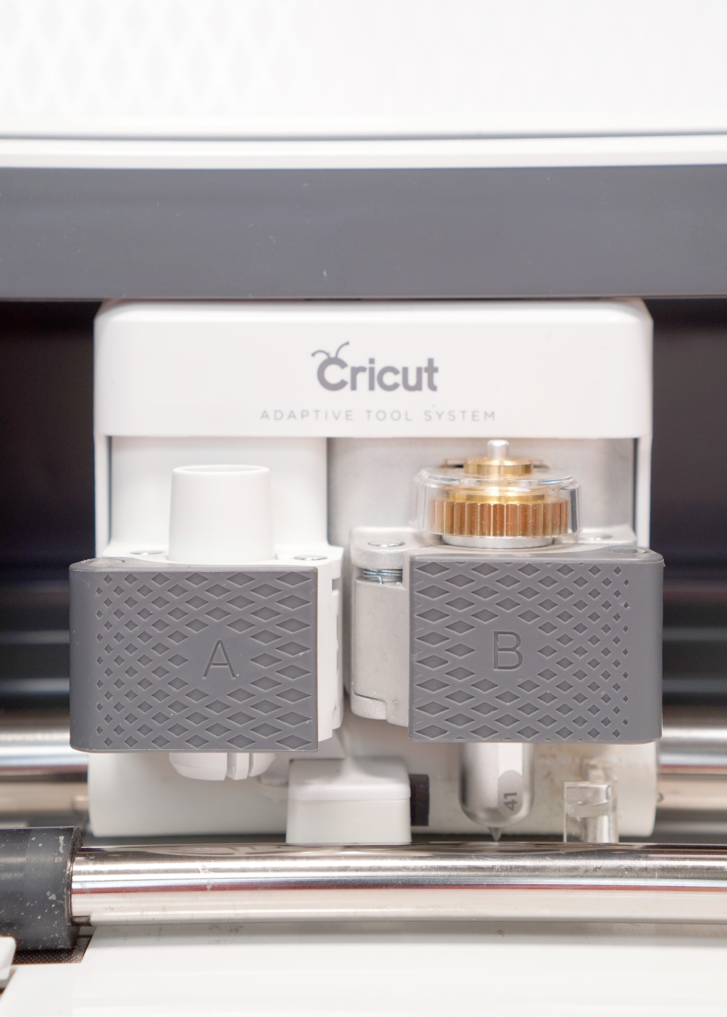 Cricut Maker tool carrier with QuickSwap Housing and Engraving Tip Tool