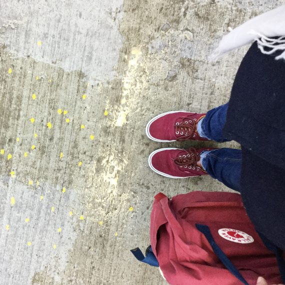 happy acorn ninamaakt nieuwe schoenen :-)
