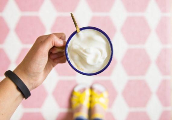 happy acorn koffie gele sandalen