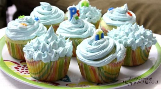 Vanilla Cupcake with Buttercream Frosting 2