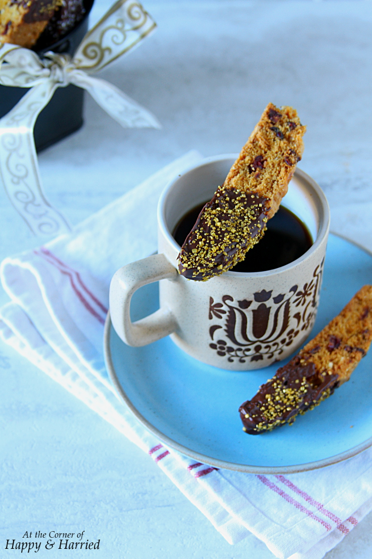 Tell me, do you like biscotti? Do you make them at home? Do try this ...