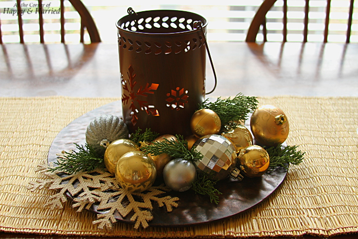 HappyandHarried Christmas 2015-Simple Christmas Centerpiece