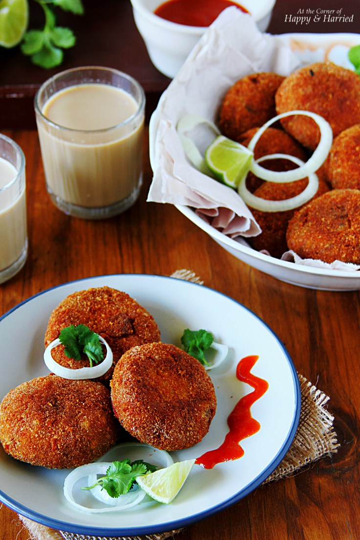 Spicy-Crispy-CHICKEN-CUTLETS-Indian-chicken-croquettes