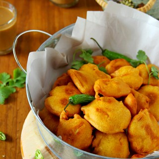 Sweet-Potato Bhajji {Chickpea Flour Battered Sweet-Potato Fritters}