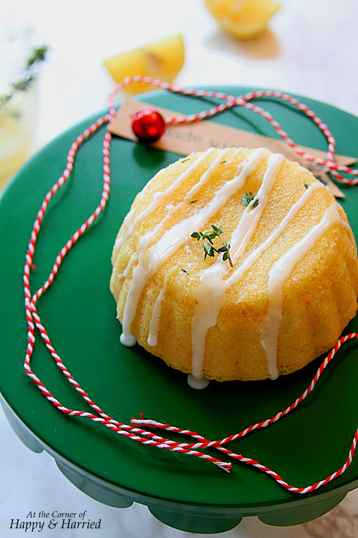 lemon-thyme-cake-with-lemon-glaze