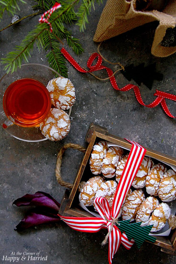 CHAI TEA CRINKLE COOKIES - HAPPY&HARRIED