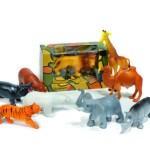 """1957 wurde die erste Serie von Miniaturtieren aus PVC produziert. Auch heute zählen die """"Wild Life"""" Tierfiguren zu den Bestsellern im Schleich Sortiment."""