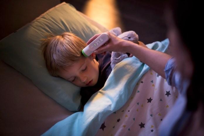 Fiebermesser Thermo misst kontaktlos per Infrarot - so können Kinder weiterschlafen