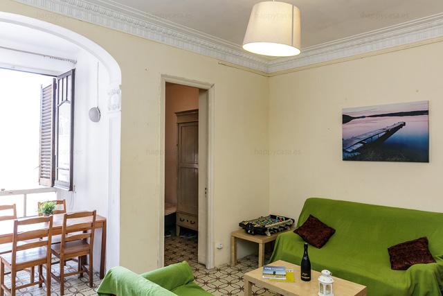 Cuarto luminoso con cama individual calle Roger de Flor Barcelona