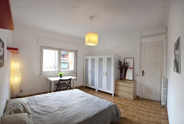 Habitación en alquiler Barcelona con cama doble L3