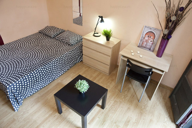 Very good value room cosy Barcelona Eixample