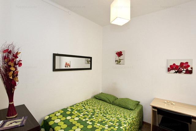 Lloguer habitació estudiants Barcelona amb llit doble y bany