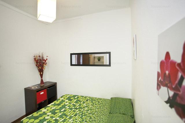 Piso con habitaciones para alquilar en Barcelona Sagrada Familia