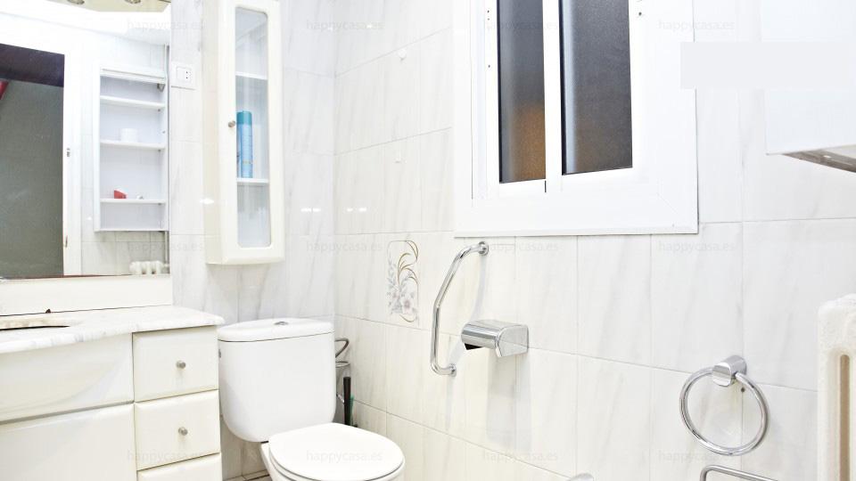 Busco habitación Barcelona con estudiantes erasmus baño