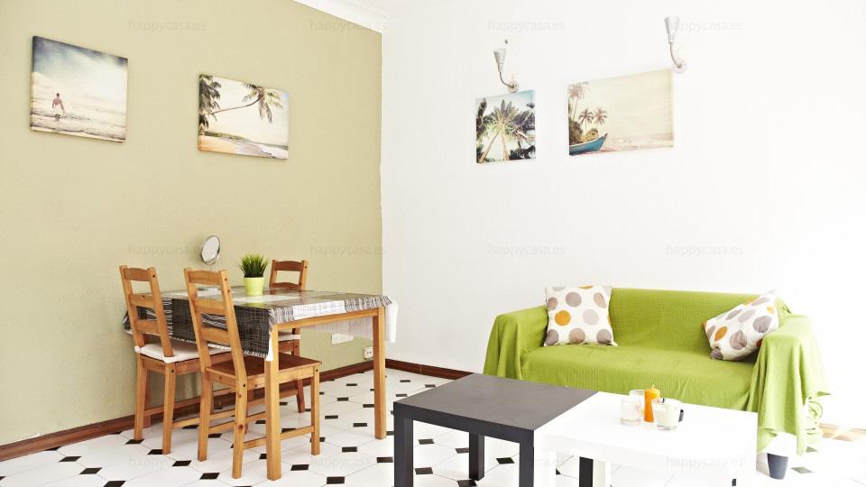 Barcelona lloguer habitación piso estudiants amb sofas L3