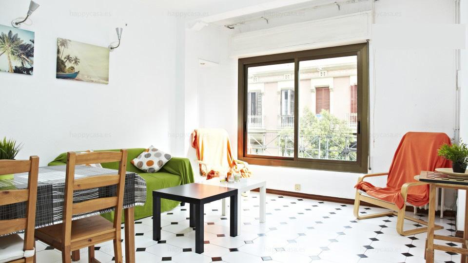 Lloguer habitación Barcelona amb salón amueblado