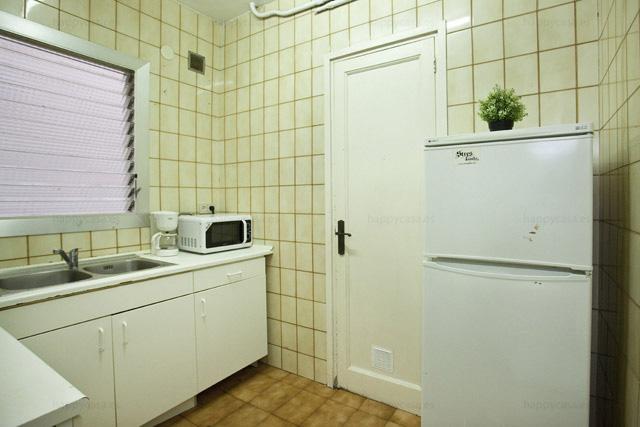 Pisos compartidos estudiantes Barcelona metro Lesseps cocina
