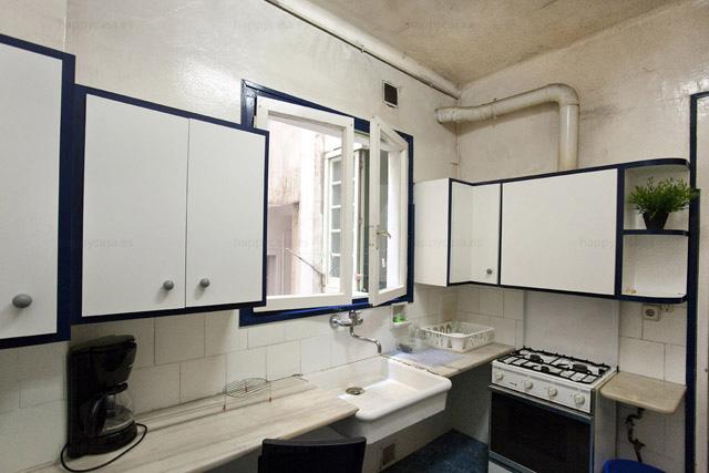 Cocina equipada en piso genial Barcelona compartir con estudiantes