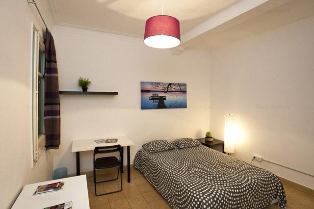 Departamento estudiantes Barcelona con cama doble ALT