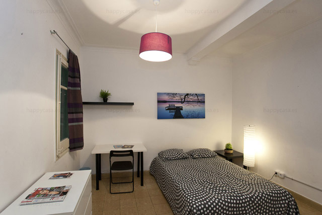 Habitación en piso compartido muy bien de precio con internet