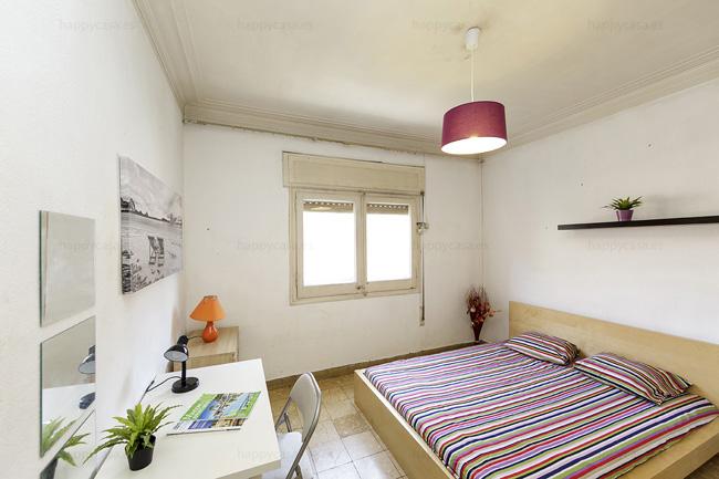 Alquiler habitaci n exterior en barcelona ideal estudiantes happycasa - Pisos para estudiantes en barcelona ...