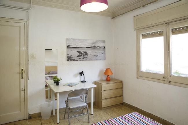 Residencia universitaria con cama doble Barcelona