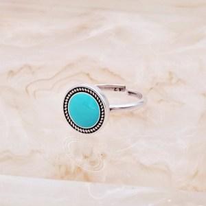 Χειροποίητο δαχτυλίδι vintage με πέτρα.