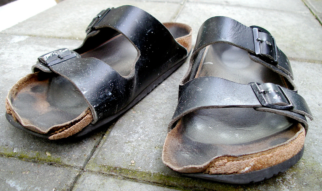 official photos 4edca 7fba0 Cleaning And Caring For Your Birkenstocks 101 – Happy Feet ...