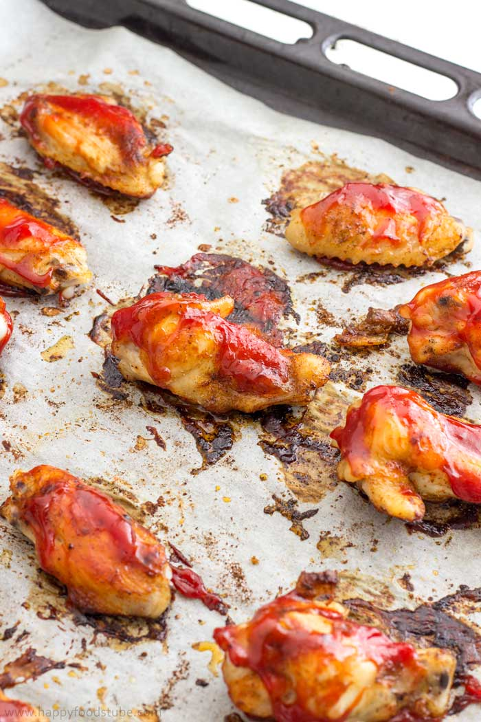 Easy Oven Baked Sweet and Spicy Sticky Chicken Wings Step by Step 4   happyfoodstube.com