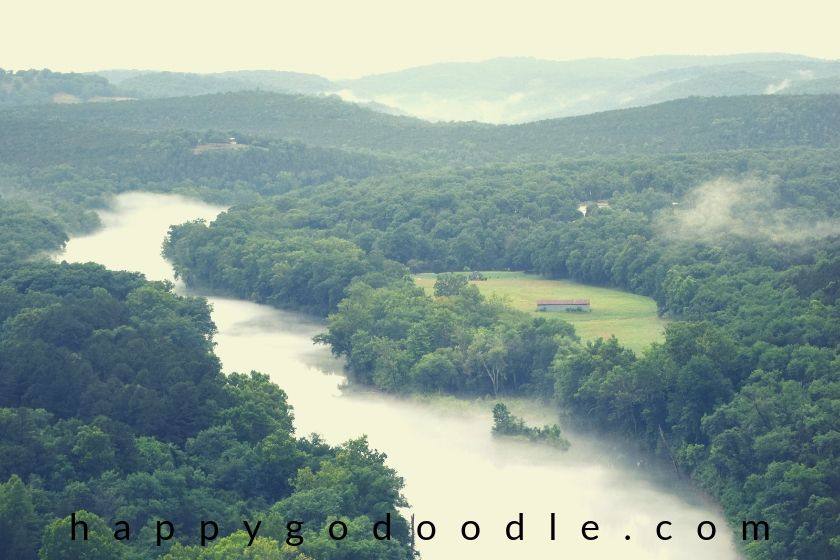 photo of the white river in the ozark mountains of the eureka springs area