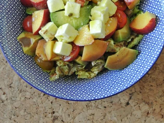 Sommersalat mit Feta und Nektarinen