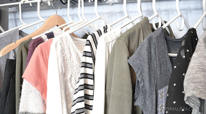 wardrobe capsule - clothes on hangers