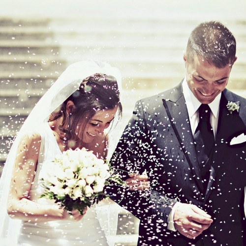 Learn how to create a happier marriage at the online school for Happy Mama Tales