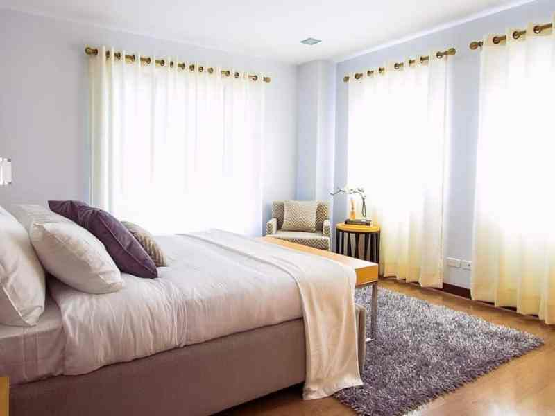 Declutter your bedroom and mintain it