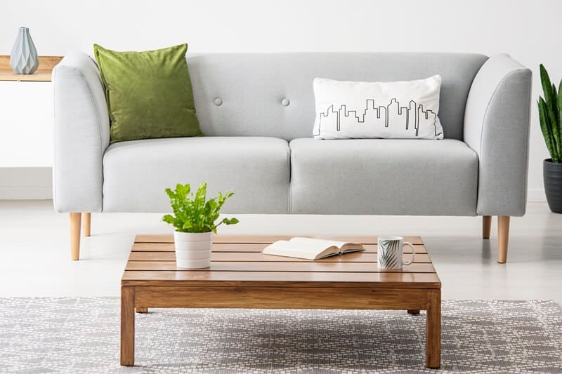 Learn how to declutter your home fast and have simple spaces.